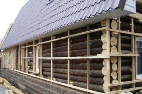 Венец дома, установка деревянного дома