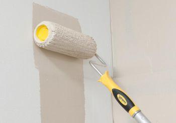 Как красить стены и потолок валиком