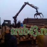 Фискар выгружает лес